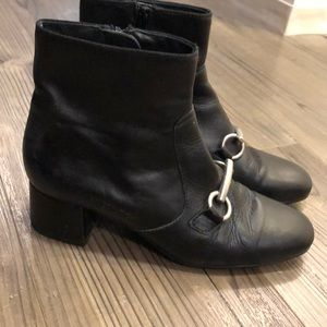 Kanna size 39 front buckle black leather boots